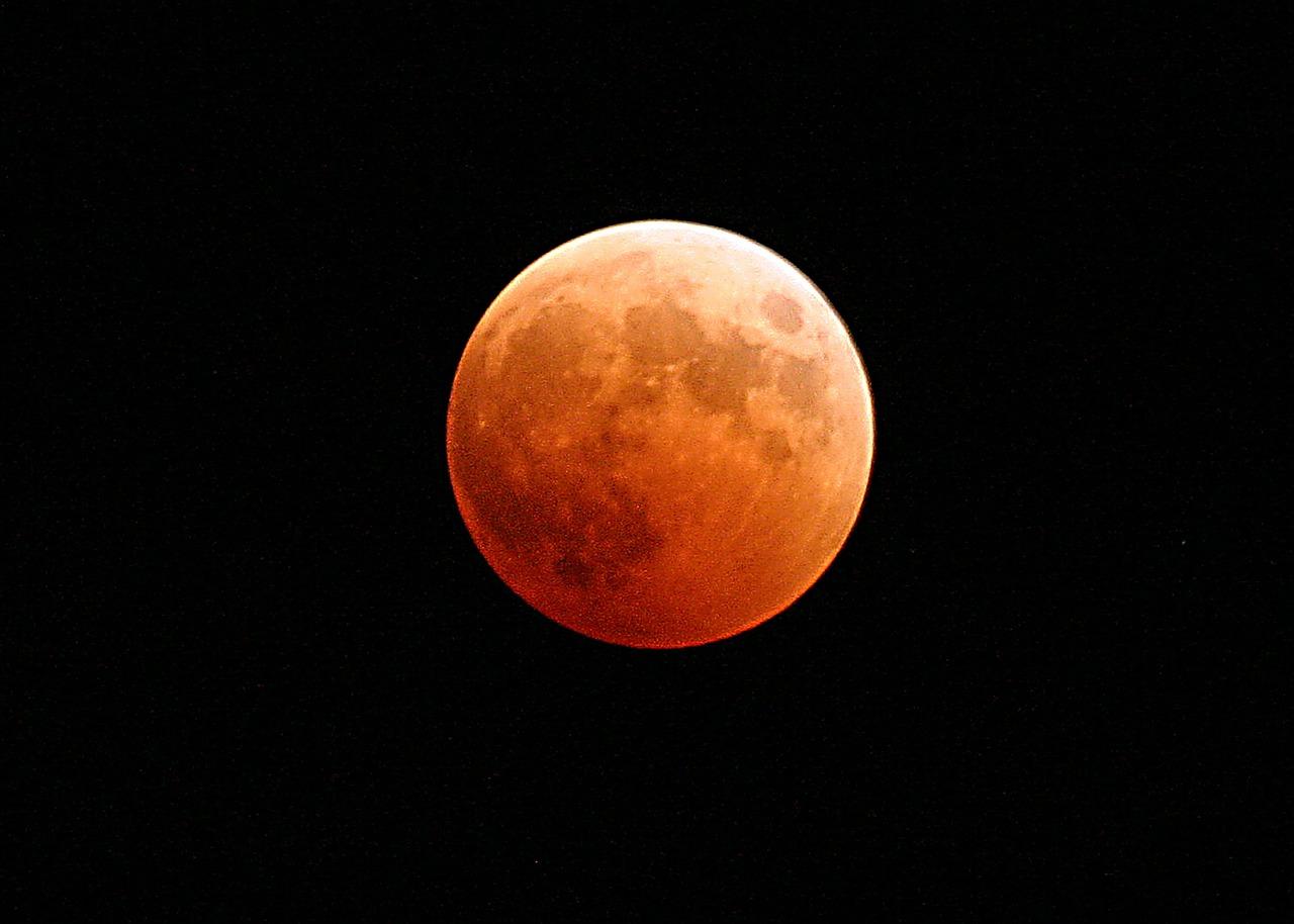 月食 1517378238 - 今日はスーパーブルーブラッドムーン