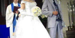 5b4fc839af0e5aeb6fc23e7cf10095f5 t1 300x152 - 3年前うちの門を叩いた女性の花嫁姿♡選んだ人は?